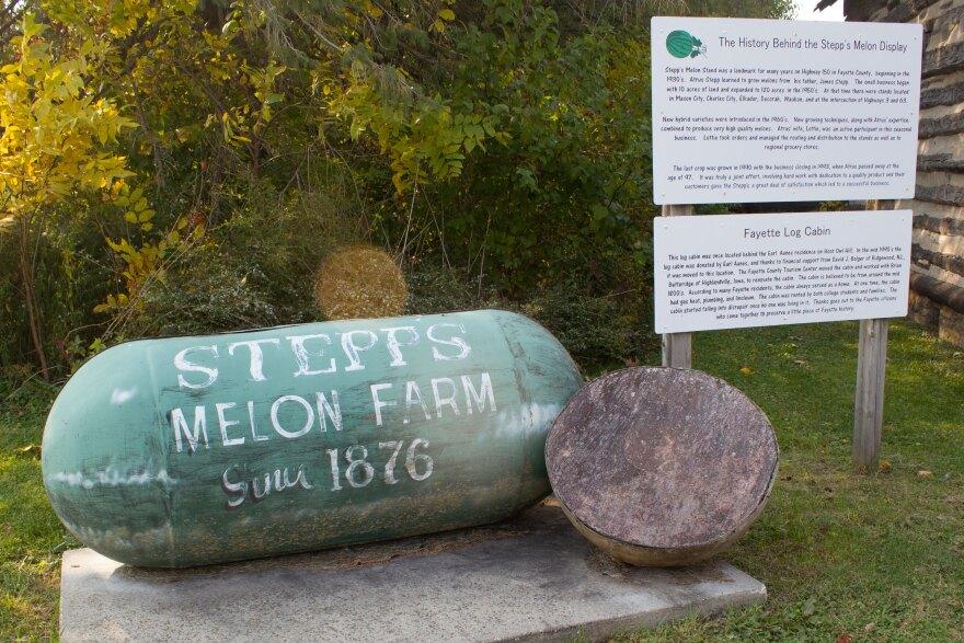 100920-am-Stepp's-Melon-Farm-display.jpg