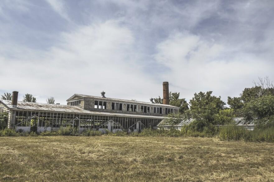 building-broken-factory-old-large__1_.jpg