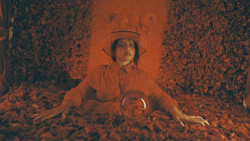 Vocalist Lido Pimienta continues her run of innovative music with her new single.