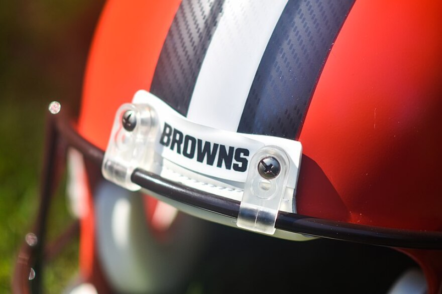 browns_helmet.jpg
