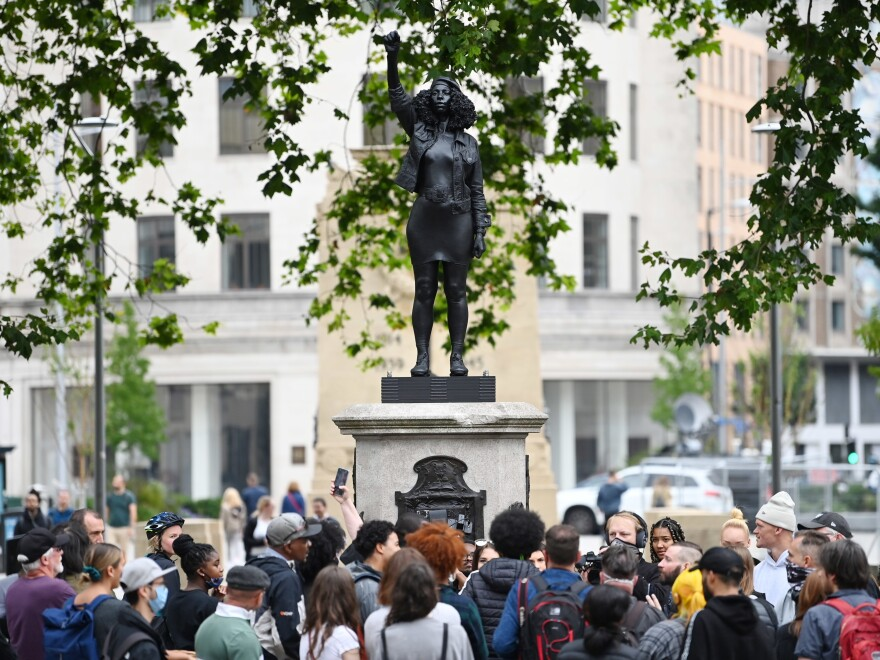 During its daylong stay on the plinth in Bristol, the statue attracted widespread attention and visitors.