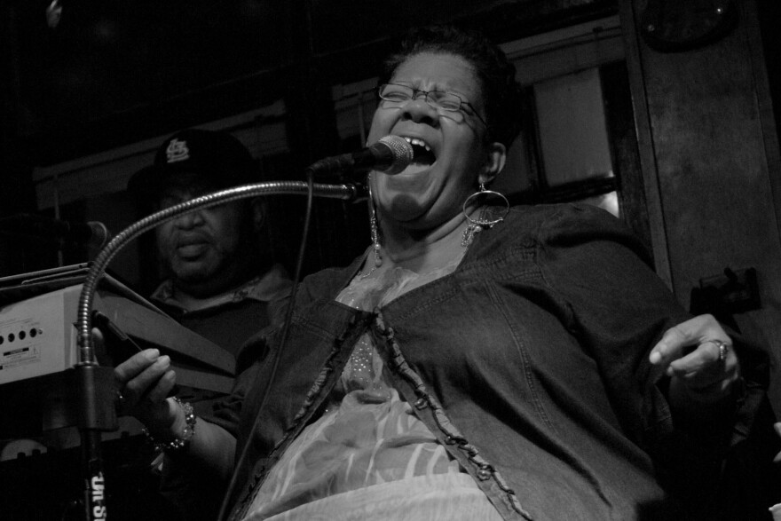 Kim Massie sings Sunshine of Your Love live at The Beale on Broadway, November 20, 2014
