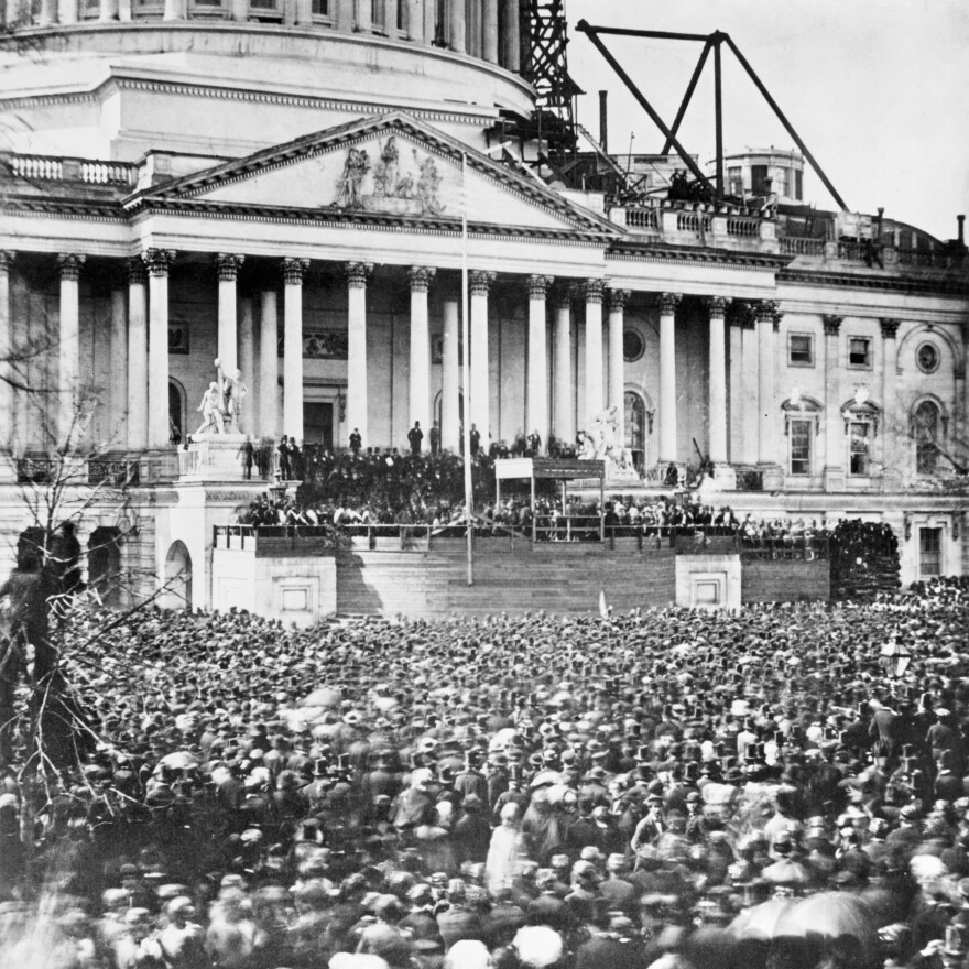 At Abraham Lincoln's inaugural speech in January 1861, large crowds turned out.