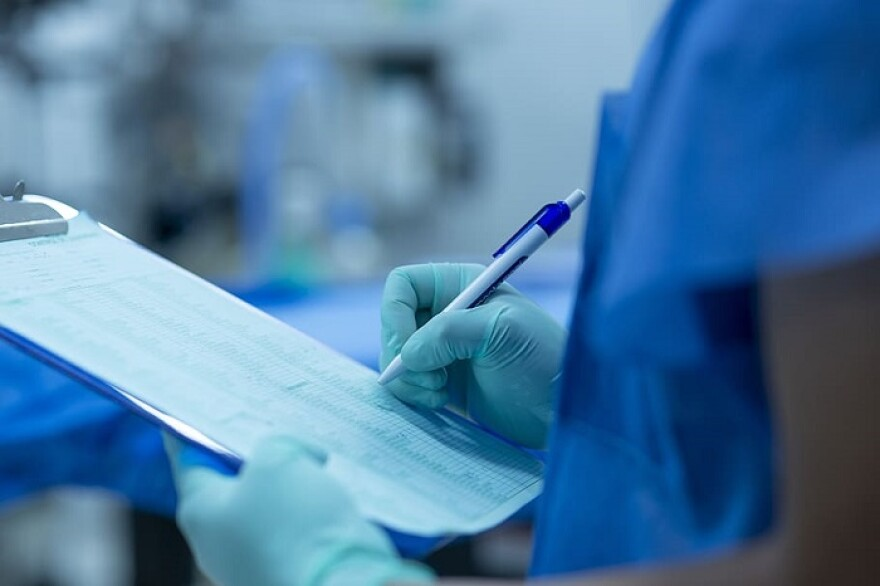 hand-notes-of-operating-room-surgery-technology_0.jpg