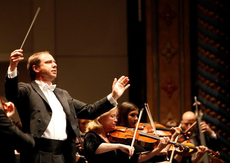 San Antonio Symphony Music Director Sebastian Lang-Lessing directs the orchestra.