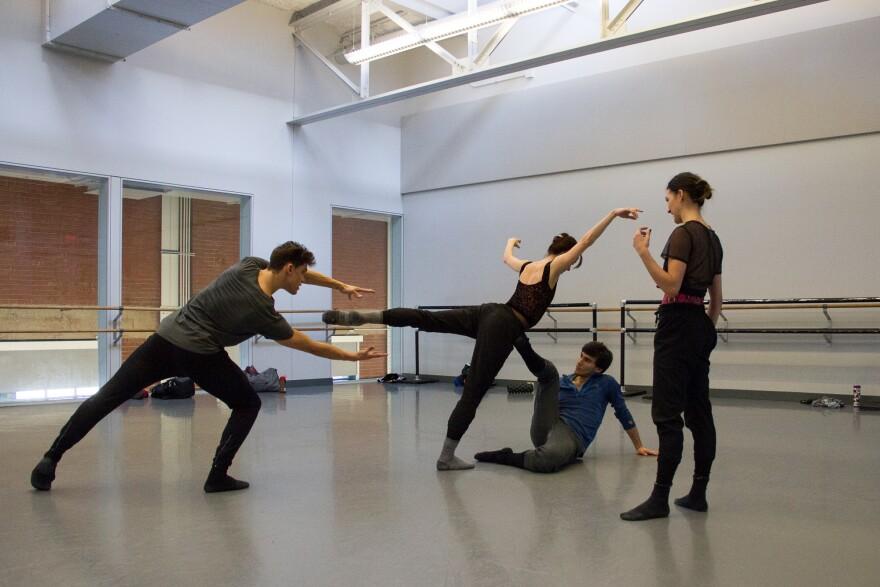 021418_lh_kansas_city_ballet_new_moves_mistretta_choreography_elizabeth_stehling.jpg