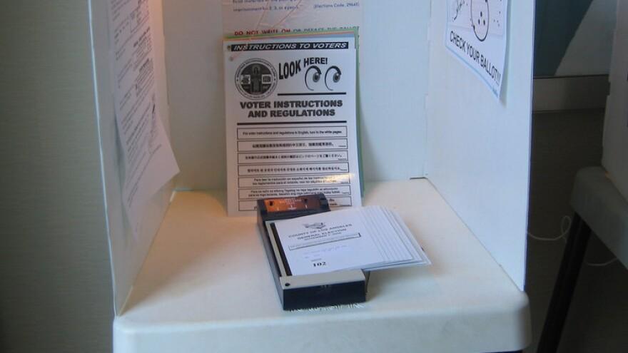 votingbooth120319.JPG