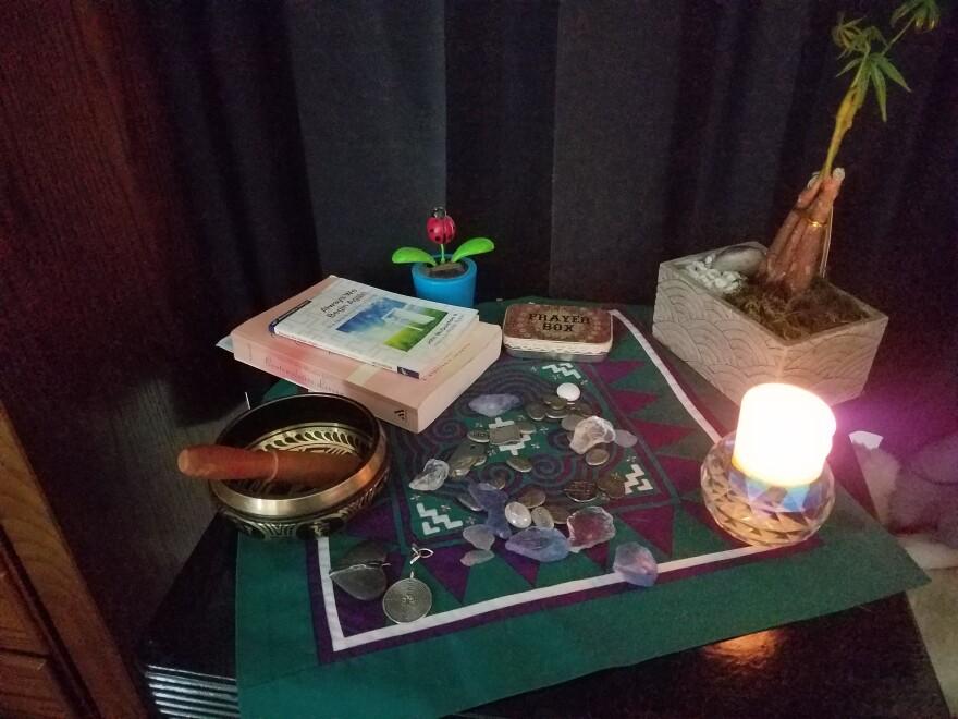 041020_Ziegler-PrayerShrine_KellyHansen_COVID.jpg