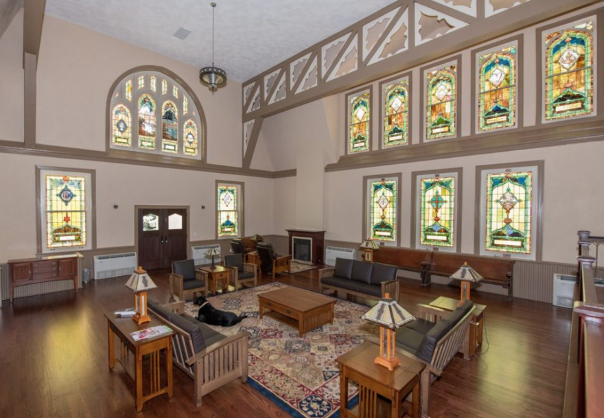 Listed on the National Register of Historic Places, this Webster Groves church was home to seven different congregations since its original construction in the late 1890s. It sat vacant for more than ten years before it was converted into Tuxedo Park Bed