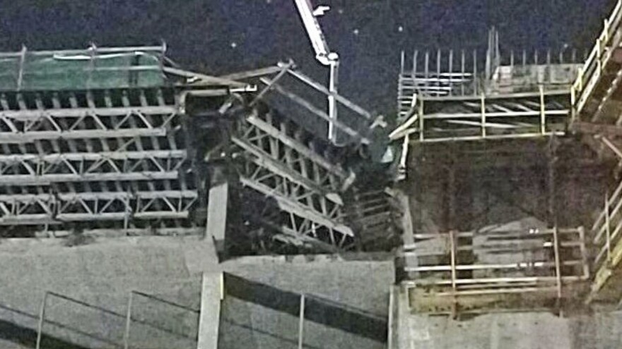 A section of the scaffolding collapsed early Wednesday at the site of the planned JW Marriott Orlando Bonnet Creek Resort, a $282 million project with 516 rooms.