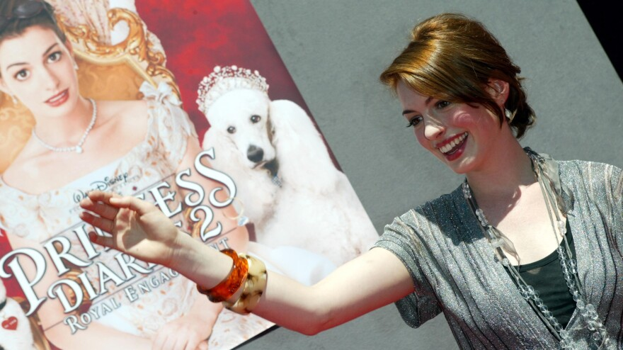 Actress Anne Hathaway, who plays Princess Mia Thermopolis, arrives at the 2004 premiere of the movie <em>The Princess Diaries 2: Royal Engagement.</em>