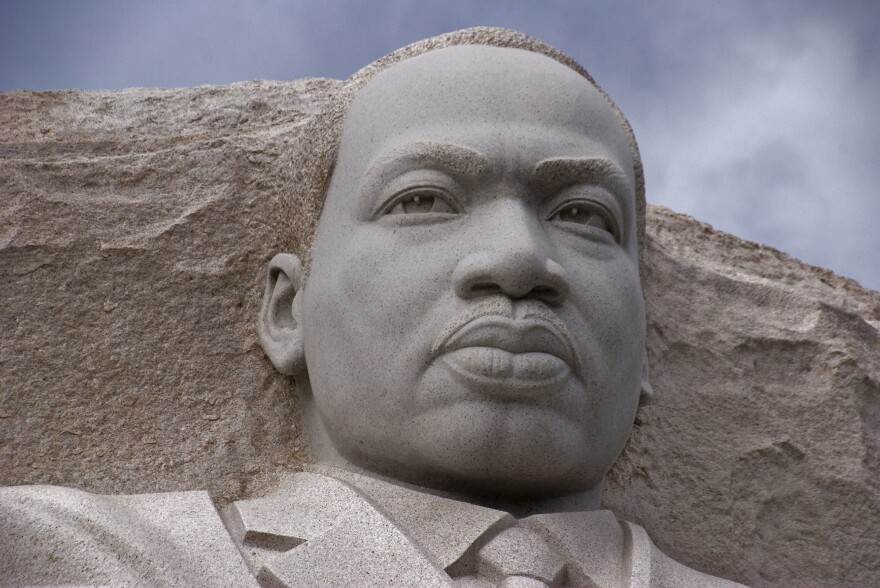 martin_luther_king_jr_mlk_memorial_ron_cogswell_cc-by.jpg