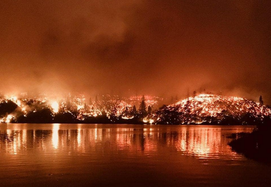 carr_fire_whiskeytown_lake.png