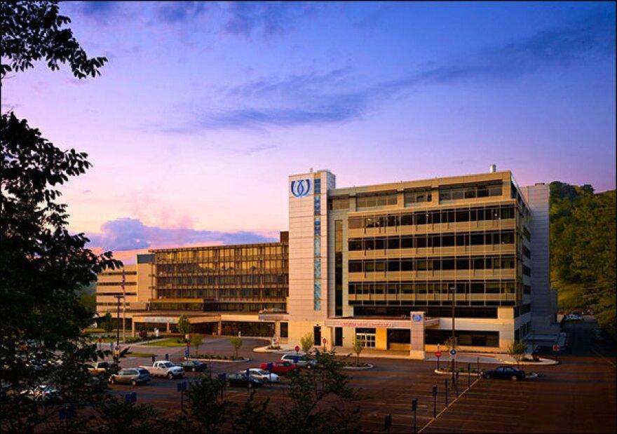 wheeling-hospital-at-dawn_20_2_.jpg