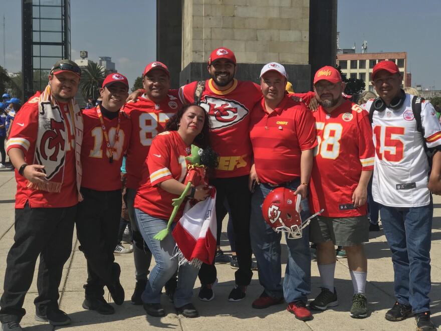 0205_LXM_Kansas.City.Chiefs.fans.Mexico.City.JPG