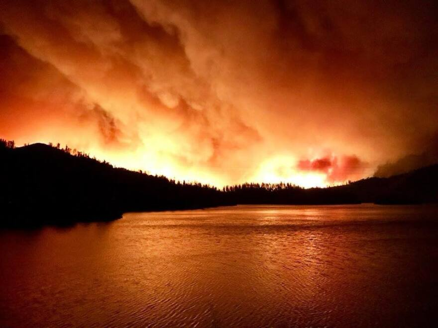 carr_fire_night_july_26.jpg