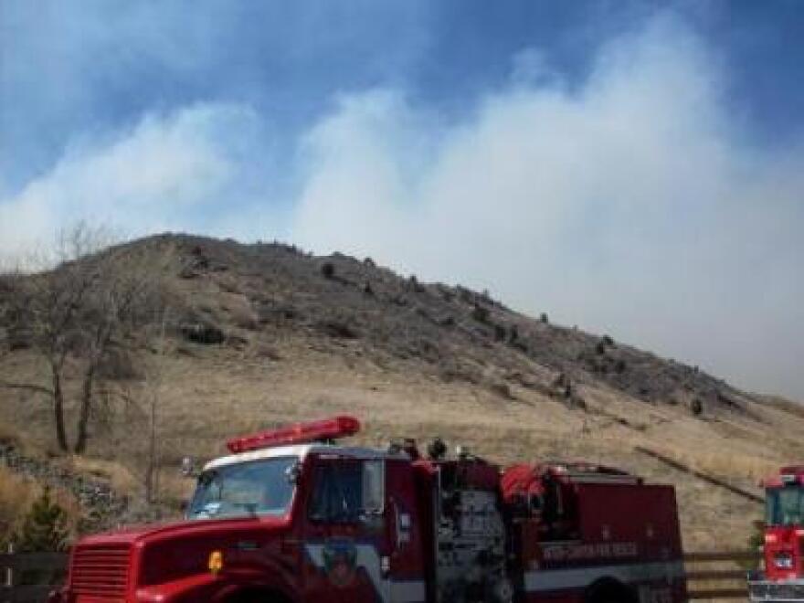 Fire_crews_Kirk_Siegler_Indian_Gulch_Fire.jpg
