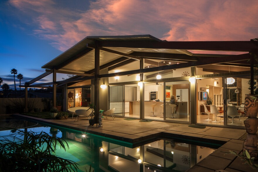 "Realtor Chris Menrad says Krisel's homes have ""a very big connection with the outdoors."" (Pictured: Sand Diego tract house designed by Krisel and developed by Leonard Drogin.)"