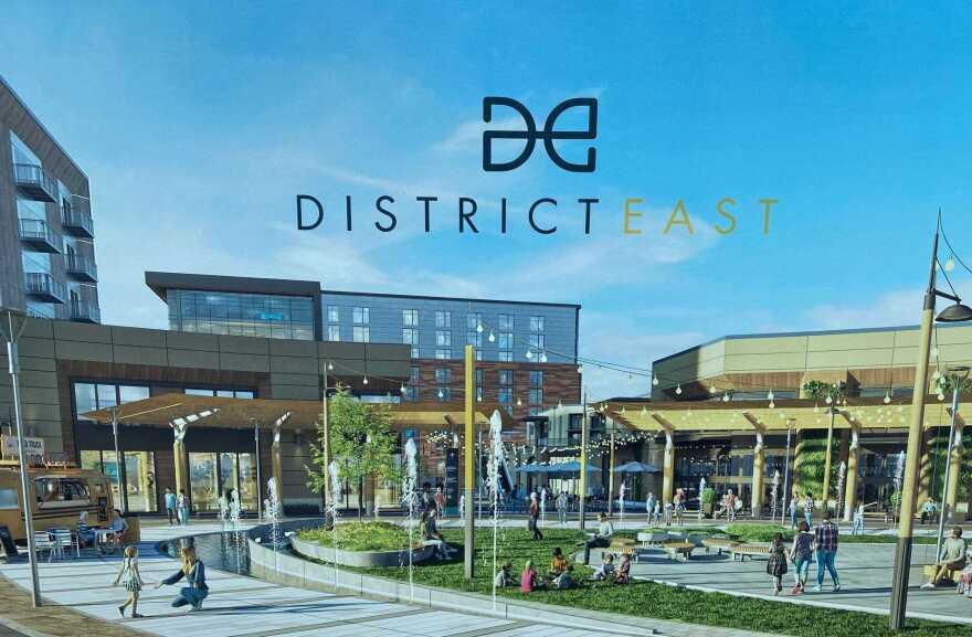 Distrito East Shoppingtown People.jpg