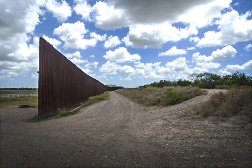 border_fence.jpg