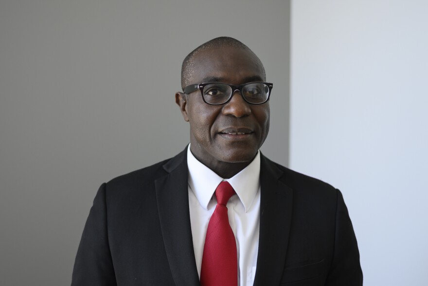 (Oct. 01, 2019) St. Louis Board of Aldermen President Lewis Reed joined Tuesday's talk show to share his thoughts on airport privatization.