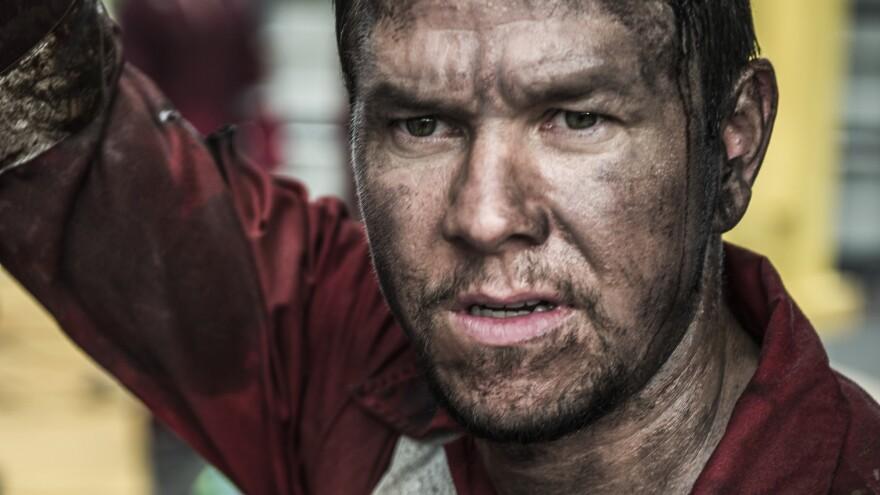 Mark Wahlberg in the film <em>Deepwater Horizon</em>.