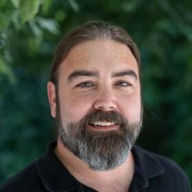 Greg Munteanu