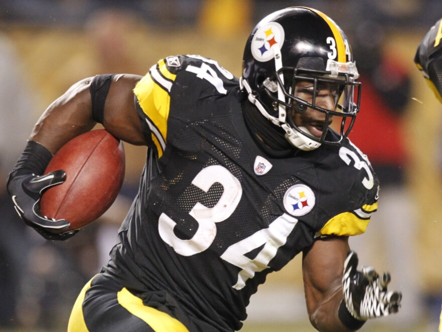 Pittsburgh Steelers running back Rashard Mendenhall runs the ball during the first half of an NFL divisional playoff football game against the Baltimore Ravens in Pittsburgh, Saturday, Jan. 15, 2011. Mendenhall received criticism after tweeting his opinion about reactions to the death of Osama bin Laden.