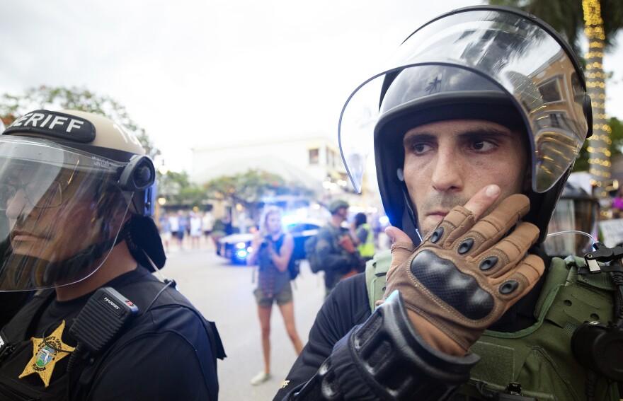 Naples Protest08.JPG