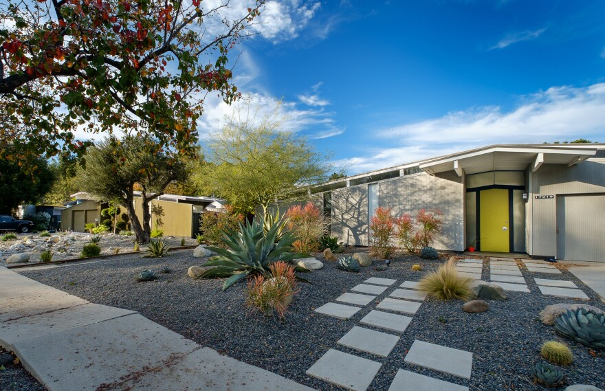 After World War II, developer Joseph Eichler built well-designed and well-crafted tract homes that dotted California suburbs.