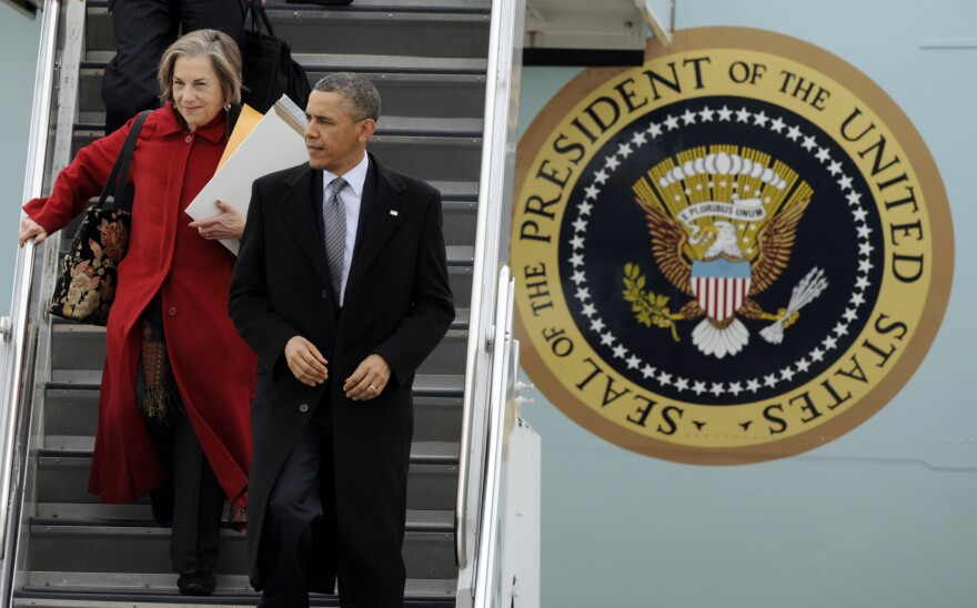 Illinois Rep. Jan Schakowsky arrives in Chicago with President Obama in March.