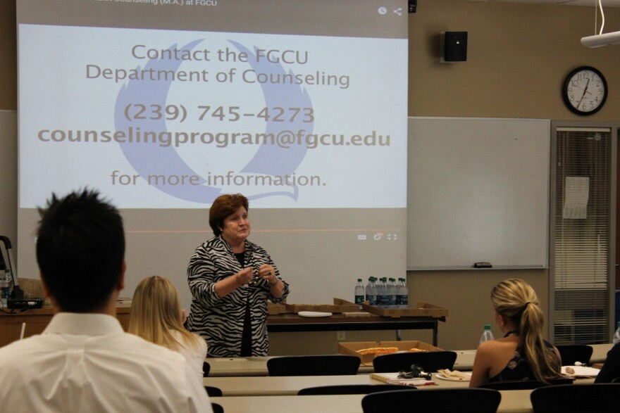 Dr. Abbe Finn outlines clinical mental health counseling opportunities to FGCU students.