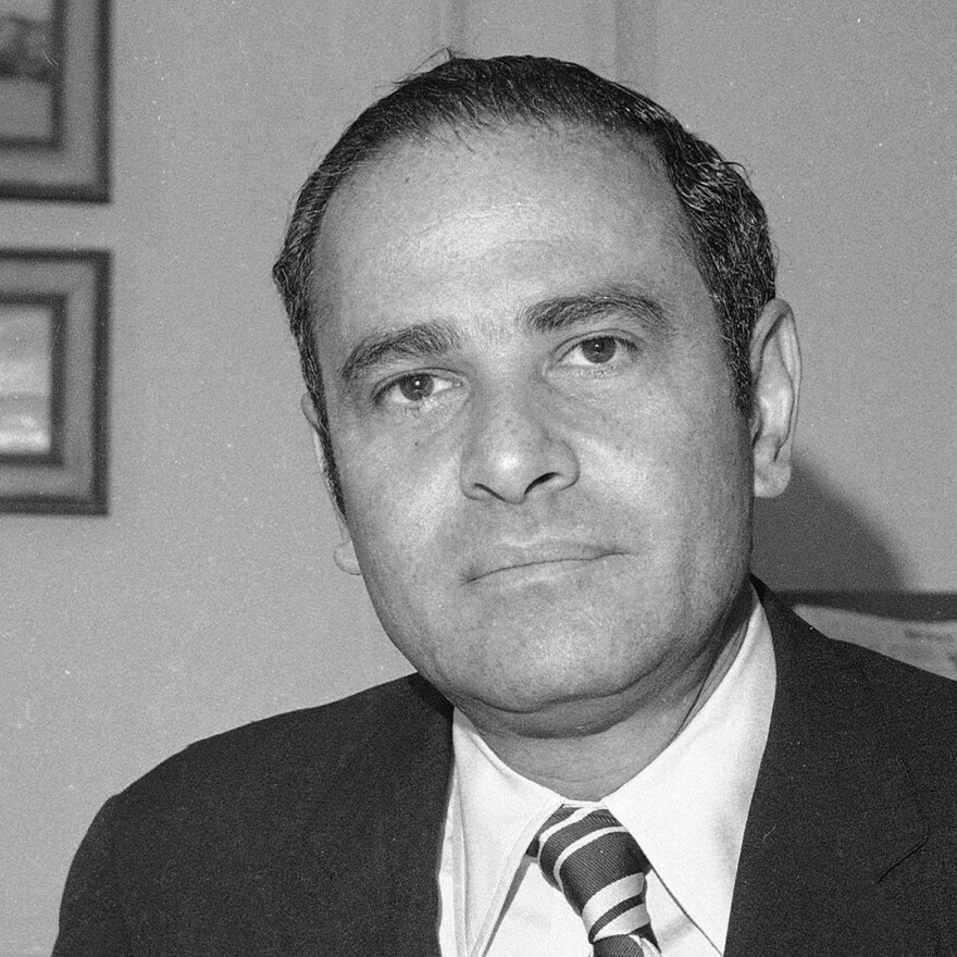 <em>New York Times</em> publisher Arthur Ochs Sulzberger in his office in 1973.