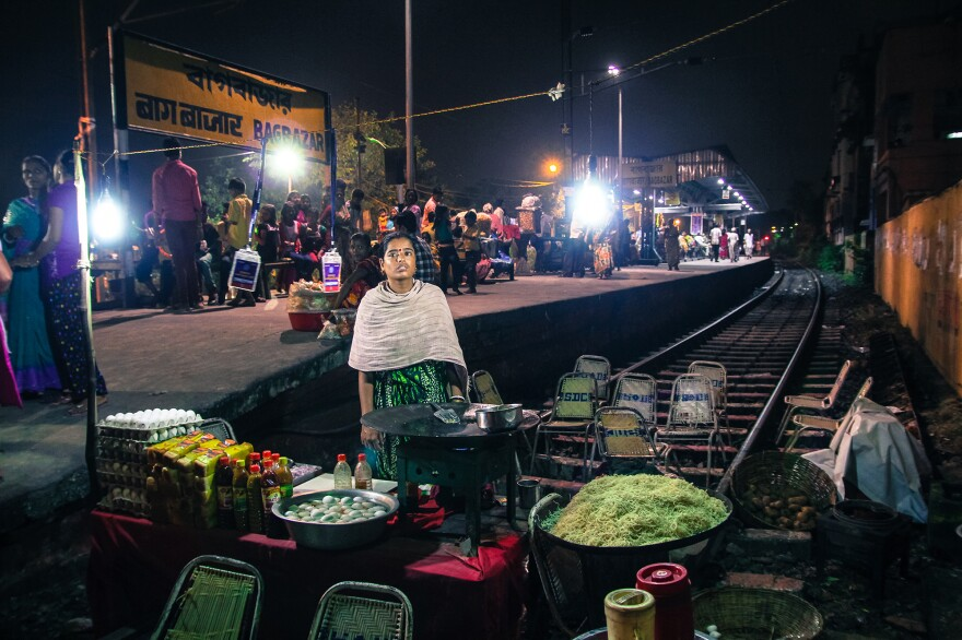 An unnamed chai walli by the train tracks in Kolkata, West Bengal