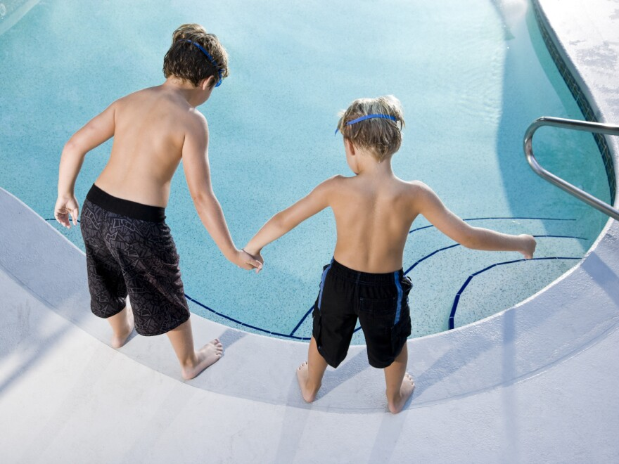 Is it safe? The water in many public pools is contaminated with <em>E. coli</em>, a study finds.