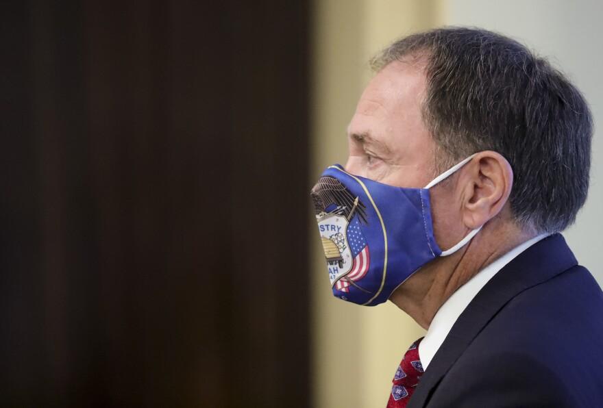 A photo of Gov. Gary Herbert wearing a face mask.