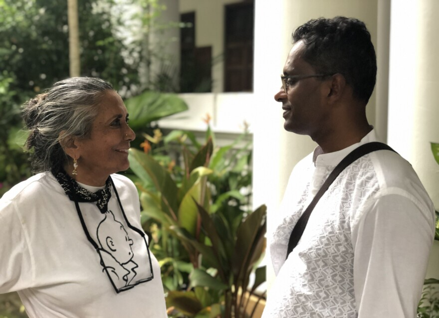 Filmmaker Deepa Mehta and author Shyam Selvadurai collaborated on the screenplay for <em>Funny Boy</em>.