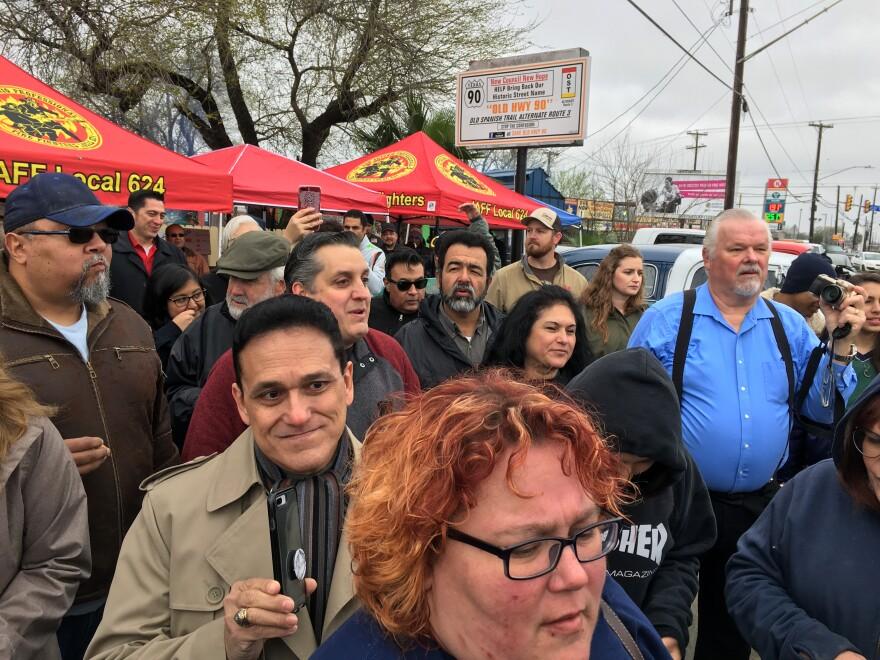 Brockhouse-Mayoral-Crowd-Palacios-020919.JPG