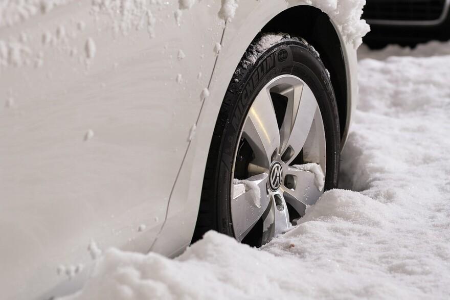 car_wheel_snow_stuck.jpg