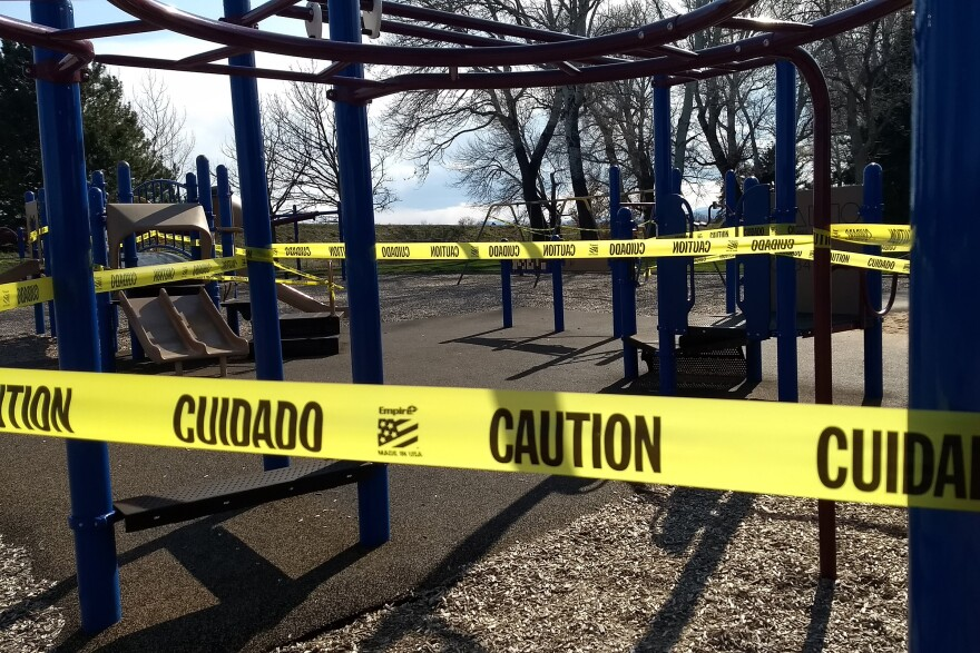 playgrounds_closed_coronavirus_JH_20200405.jpg