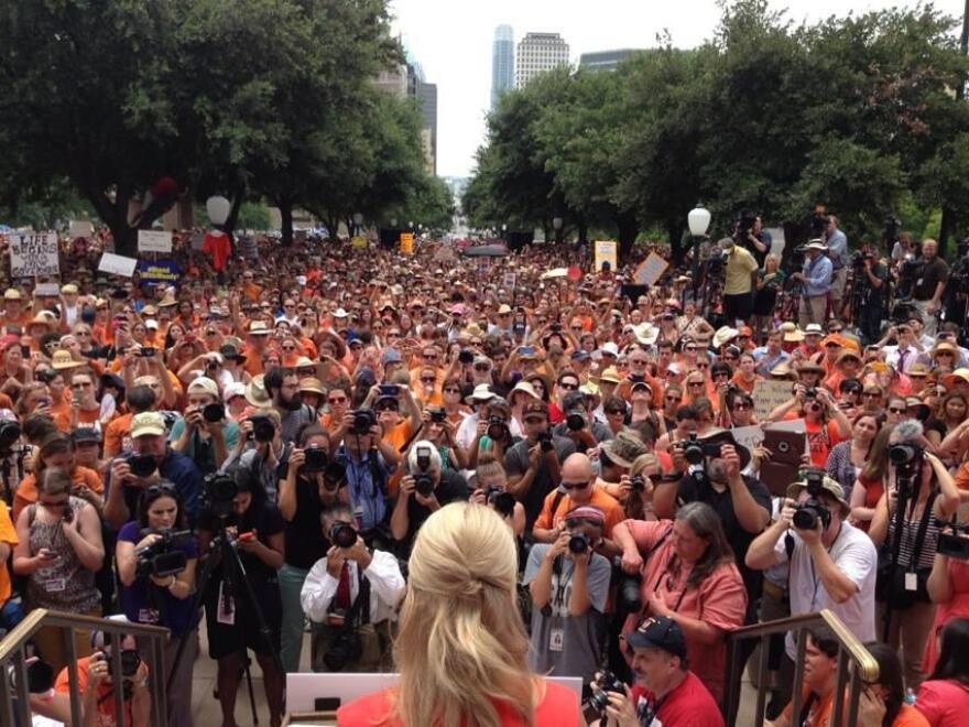wendy_davis_july_1_rally.jpg