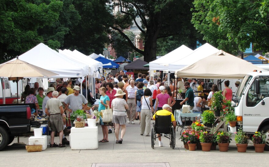 Farmers' Marketat Market Square in Knoxville, Tennessee.
