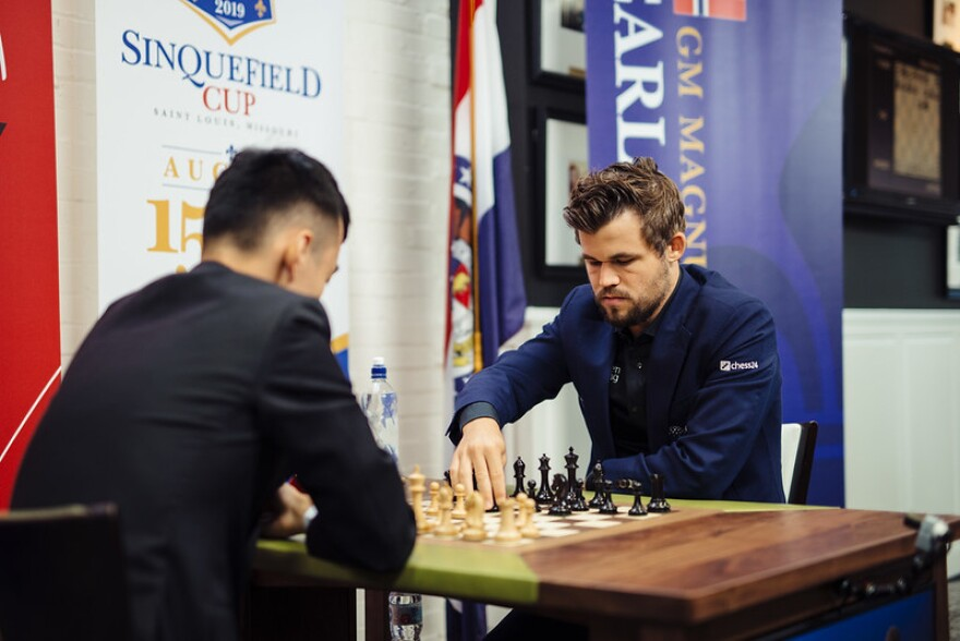 GM Magnus Carlsen playing GM Ding Liren (back to camera) at the 2019 Sinquefield Cup playoff.