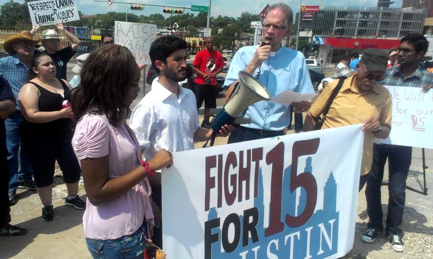 minimum-wage-protest-fast-food-130828.jpg