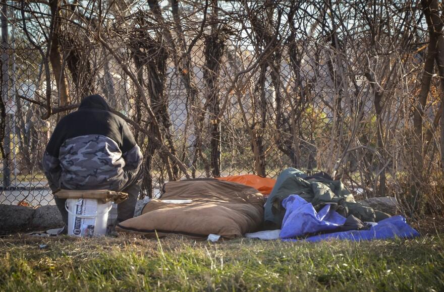 121420_homeless_camp_Paseo_I70_Carlos_Moreno.jpg