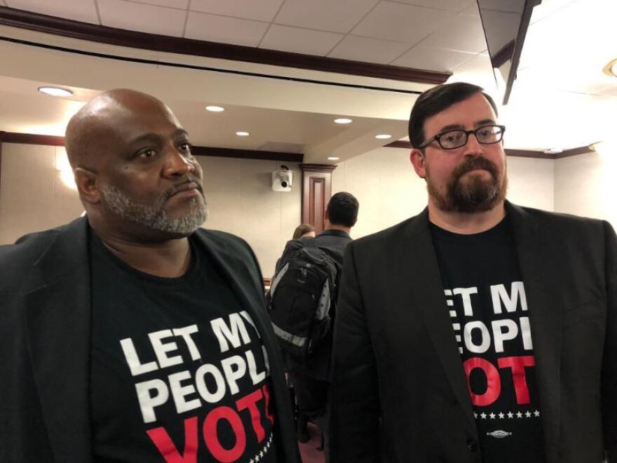 Advocates of Amendment 4.