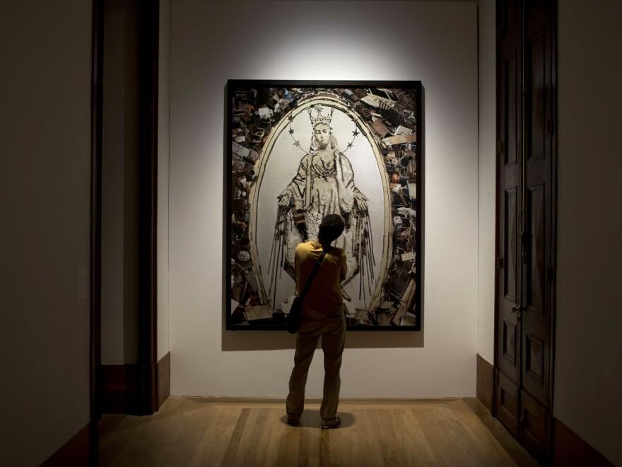 This photograph by Vik Muniz, titled <em>Nossa Senhora das Gracas,</em> at the Casa Daros museum in Rio de Janeiro, Brazil, in March.