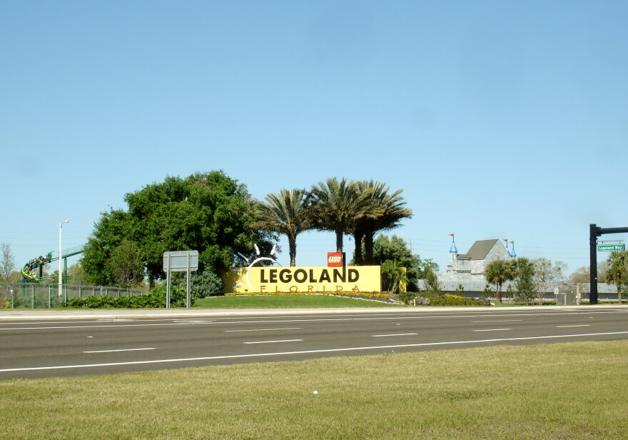 Legoland_Florida_sign.jpg