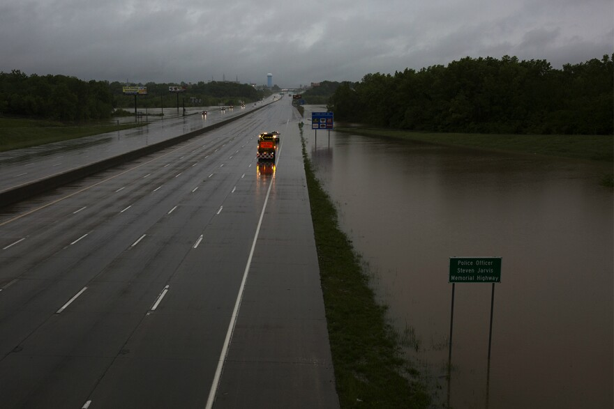 Waters continue to rise around I-55 near Butler Hill on Wednesday morning. May 2017