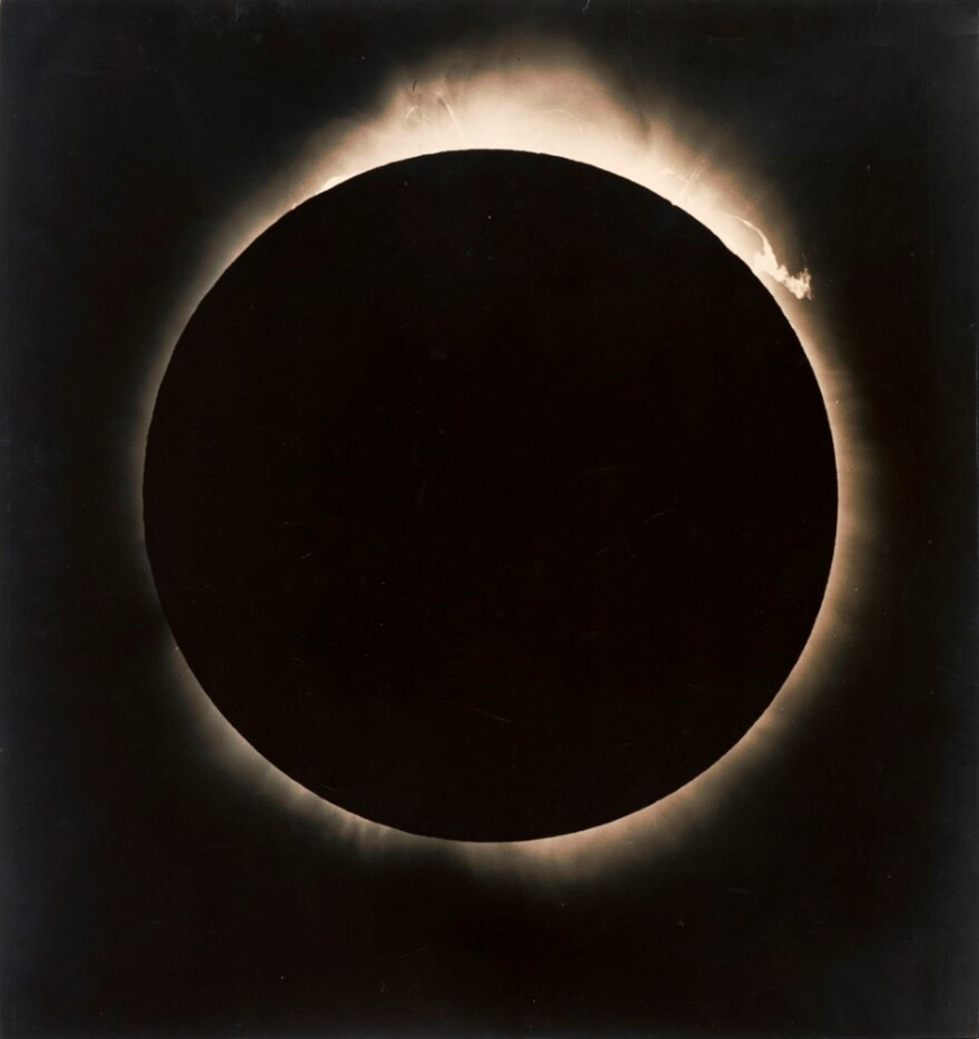 2005-27-4110_tabor-solareclipse_recto_email__custom_.jpg